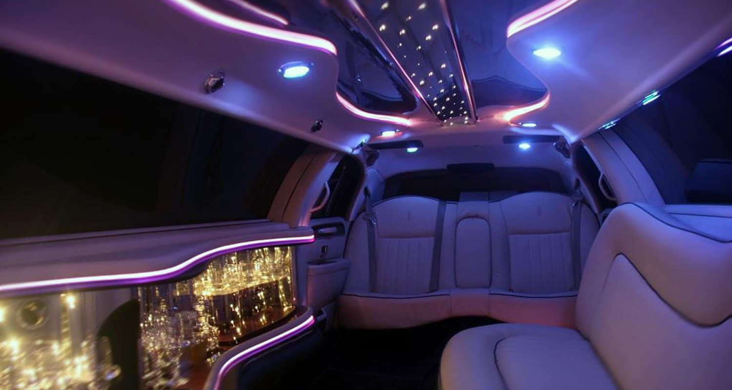 Golden limousine france golden limousine france for Interieur rolls royce